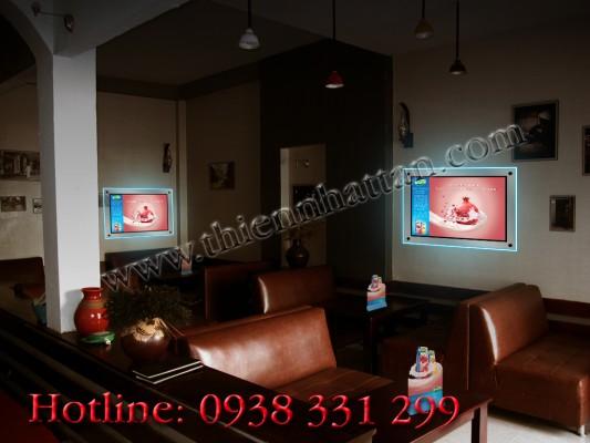 Hộp đèn quảng cáo trong quáng cafe